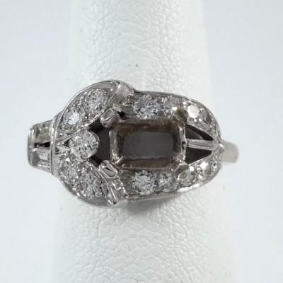 14k White Gold Ladies Fashion Ring R10118