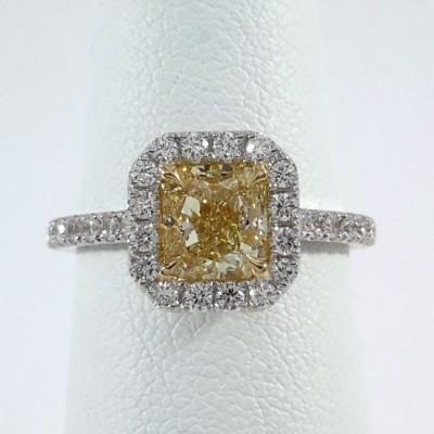 18k White Gold Ladies Fashion Ring R10137