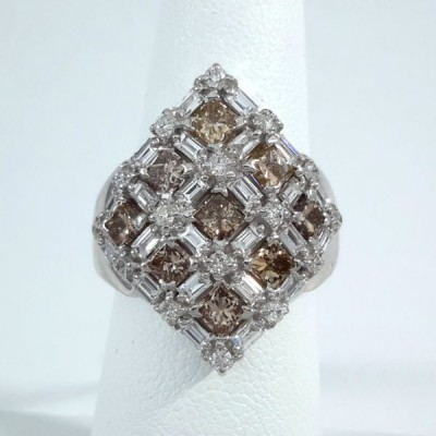 18k White Gold Ladies Fashion Ring R9930