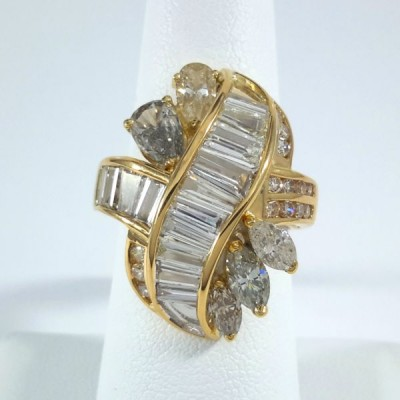18k Yellow Gold Ladies Fashion Ring R9943