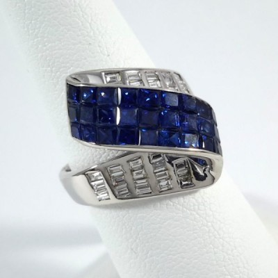18k White Gold Ladies Fashion Ring R9989
