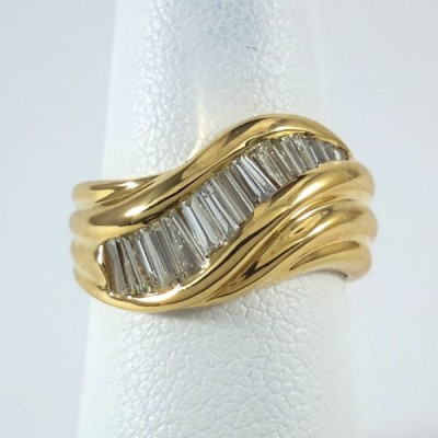 18k Yellow Gold Ladies Fashion Ring R9996